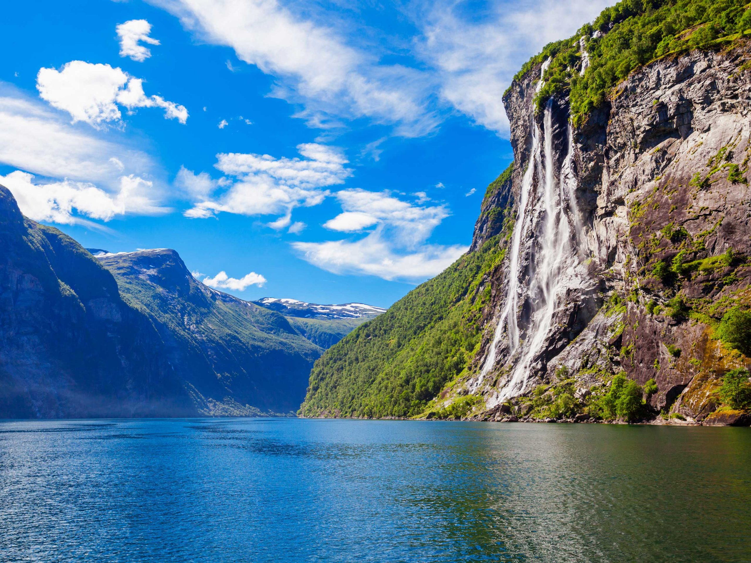 How Norway emerged after the latest ice age. From the Geiranger fjord. | © saiko3p - stock.adobe.com.